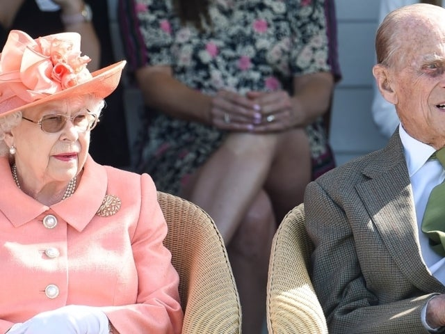 Queen Elizabeth Will Reportedly Be 'Canceling' Royal Family Christmas Amid Coronavirus Concerns