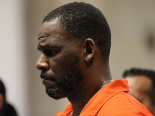 R. Kelly Allegedly Attacked by Fellow Inmate