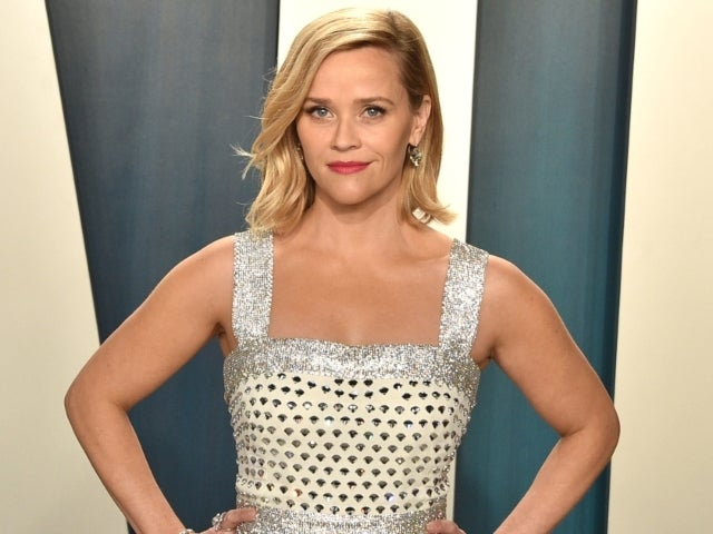Reese Witherspoon Posts Throwback MTV Beach House Photo While 8 Months Pregnant