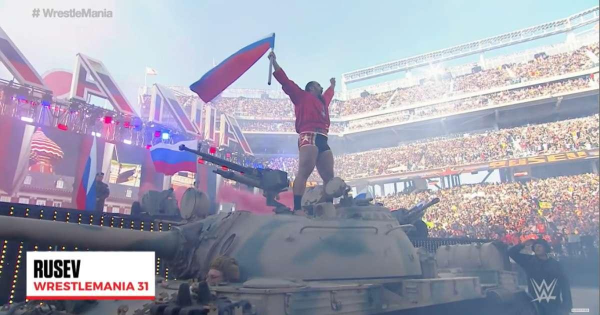 Rusev Lana intimate WrestleMania 31 tank