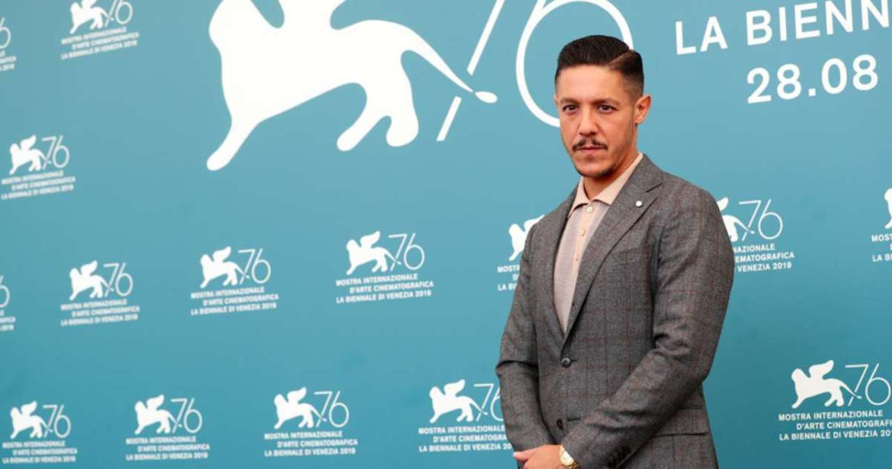 'Sons of Anarchy' Star Theo Rossi Joins Kevin Hart and Wesley Snipes for Netflix Series.jpg