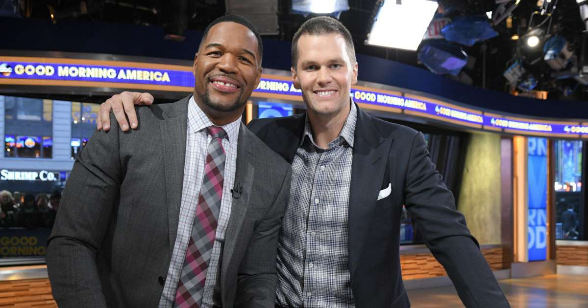 Tom Brady claps back Michael Strahan birthday tweet