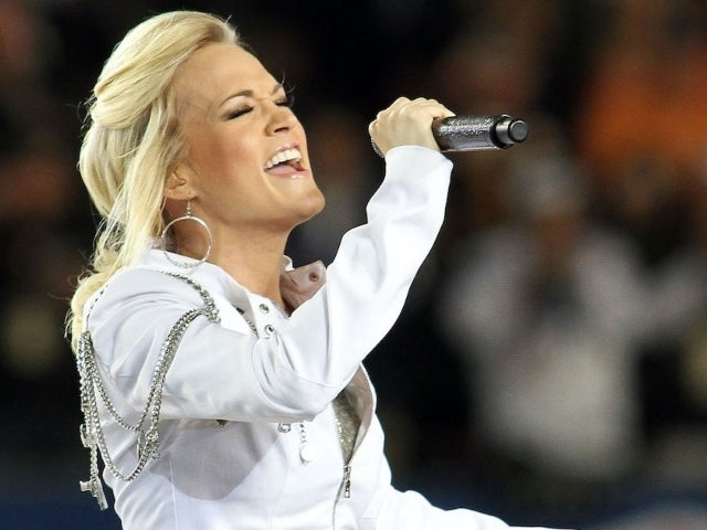 Carrie Underwood Returns for New Season of 'Sunday Night Football'