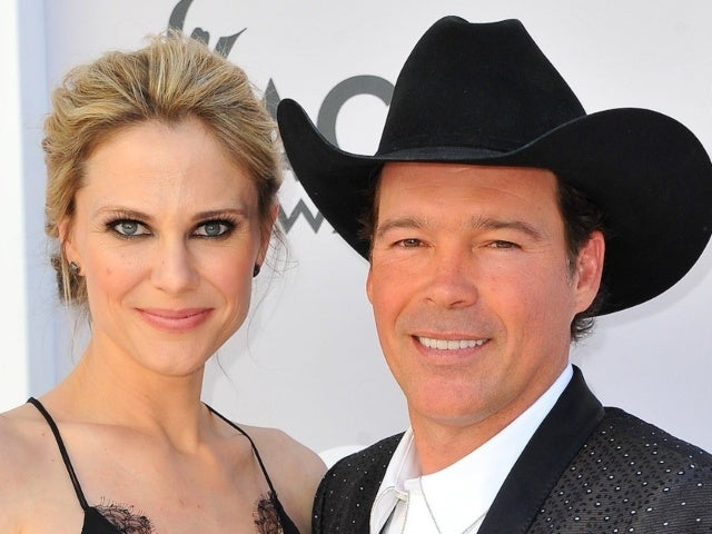 Clay Walker and Wife Jessica Expecting Fifth Child Together