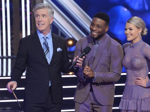 'Dancing With the Stars' Elimination Mixup Has Fans Wanting Tom Bergeron Back