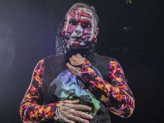 WWE: Jeff Hardy Wins Intercontinental Championship, and Fans Are Losing It