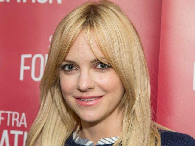 Why Anna Faris Left 'Mom'