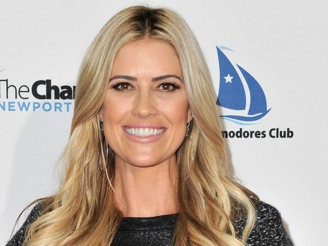 Christina Anstead Deletes Wedding Photos From Instagram Days After Announcing Ant Anstead Split