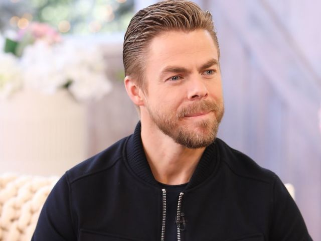 'Dancing With the Stars' Fans Rate Derek Hough's First Night as Judge