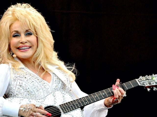 Dolly Parton Earns First Christian Chart No. 1 With Zach Williams Collaboration 'There Was Jesus'