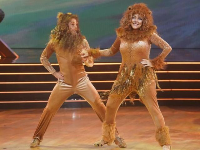 'Dancing With the Stars': Carole Baskin Dresses in a Full Lion Costume for Disney Night