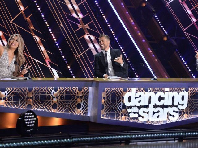 'Dancing With the Stars' Judges Called out for Possible Double Standard With Lifts