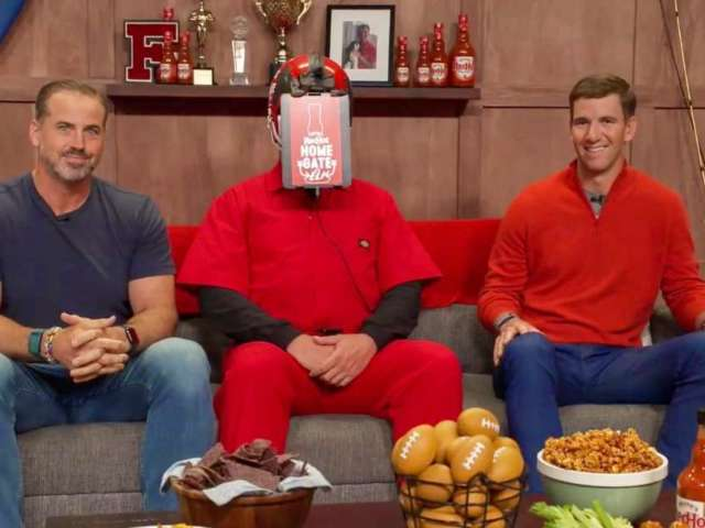 Watch: Eli Manning and Former Giants Teammates Host Largest Virtual Tailgate With Frank's RedHot