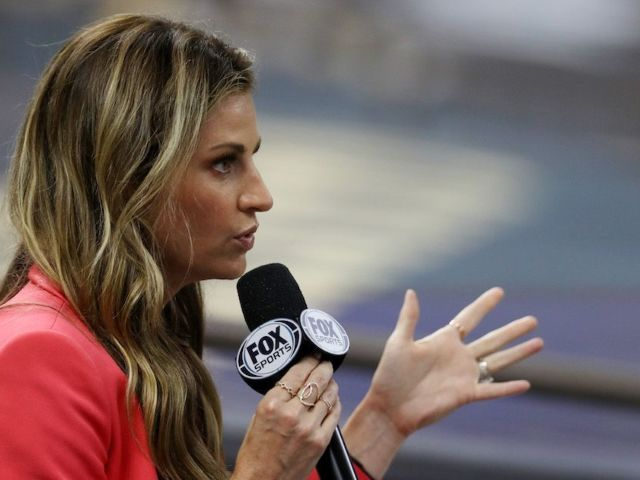 Erin Andrews Was Back on the Sidelines for Bucs vs. Saints in Wake of 'DWTS' Exit