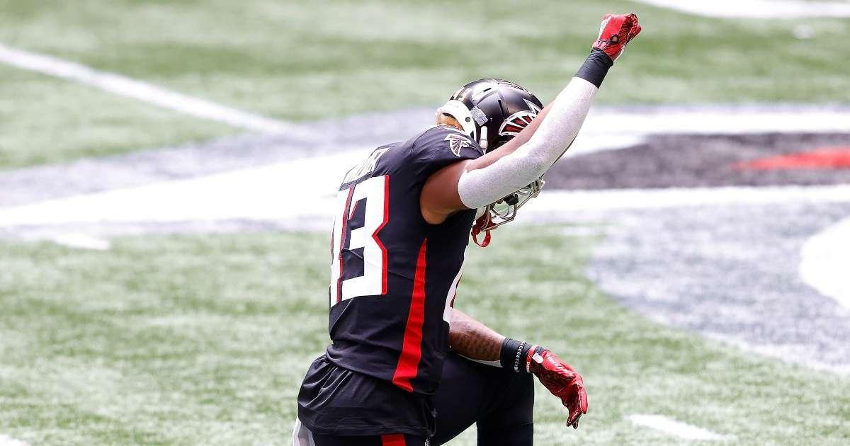 Falcons Seahawks kneel kickoff season opener