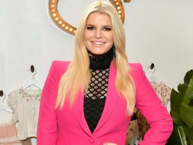 Jessica Simpson Shows off Her Insanely Toned Legs in a Pair of Combat Boots