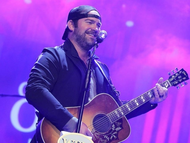 Lee Brice Announces New Album, 'Hey World'