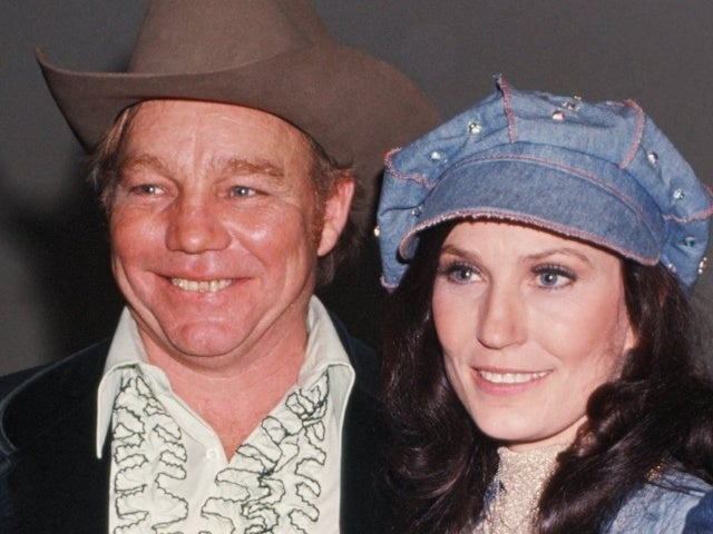 "Loretta Lynn's Marriage to Oliver ""Mooney"" Lynn: What to Know"