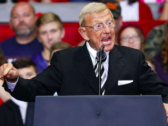 Notre Dame Does Not Endorse Lou Holtz's Questioning of Joe Biden Faith