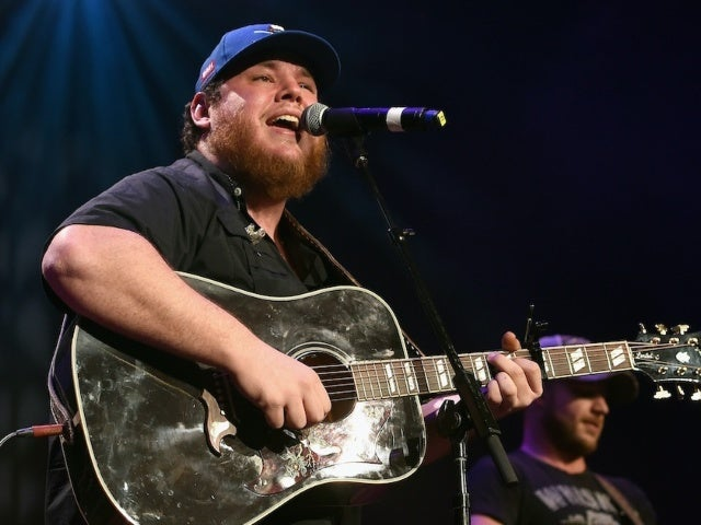 Luke Combs Earns 9th Consecutive No. 1 Single With 'Lovin' On You'