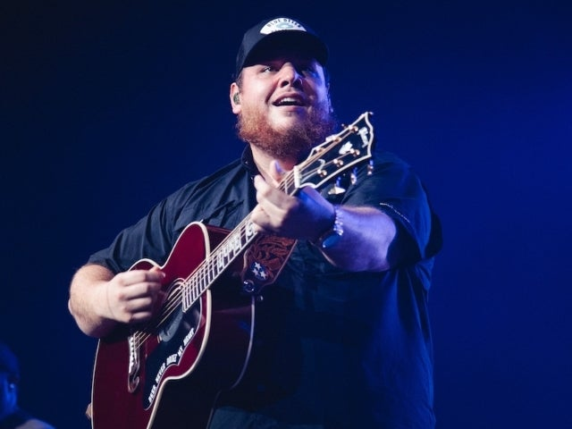 Luke Combs Performing at 2020 Billboard Awards
