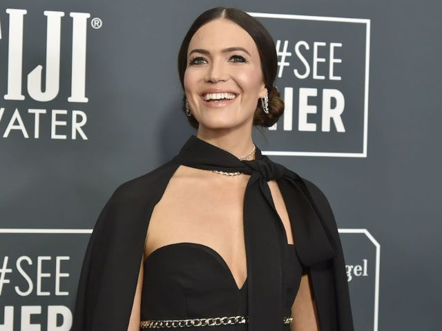 Pregnant Mandy Moore Mourns the Sudden Death of Her Dog