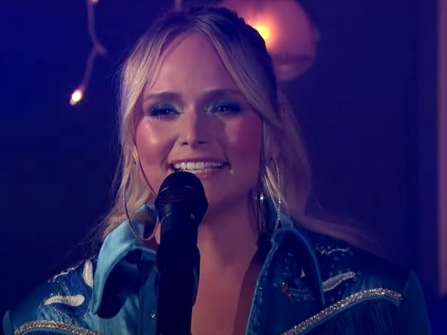Watch Miranda Lambert's Performance of 'Bluebird' at the ACM Awards