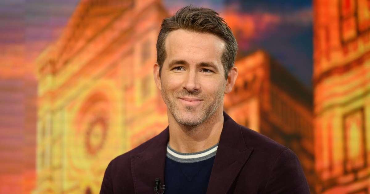 Ryan Reynolds Rob McElhenney invest soccer team Wrexhan AFC