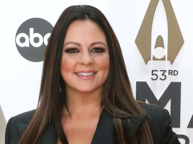 'Dancing With the Stars': Sara Evans Wants Another Shot After Withdrawing From Season 3