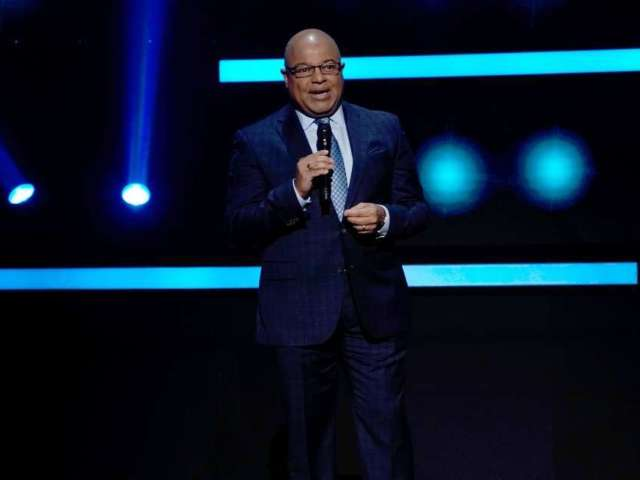 'Sunday Night Football': Mike Tirico Fills in for Al Michaels, and Fans Are Confused