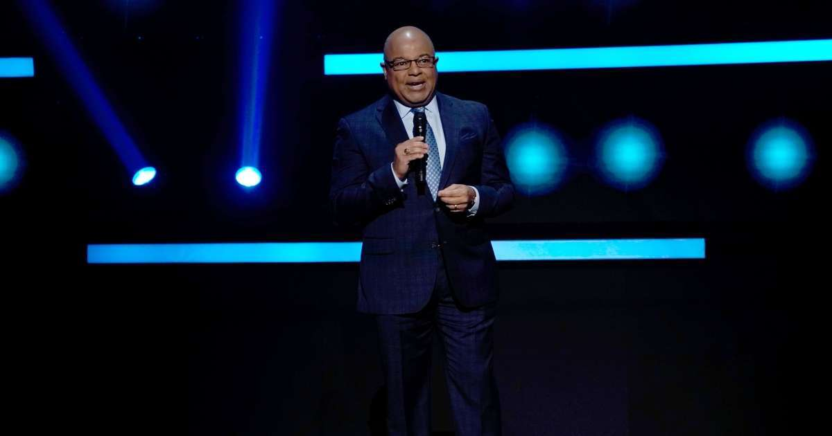 Sunday Night Football Mike Tirico fill in Al Michaels fans confused