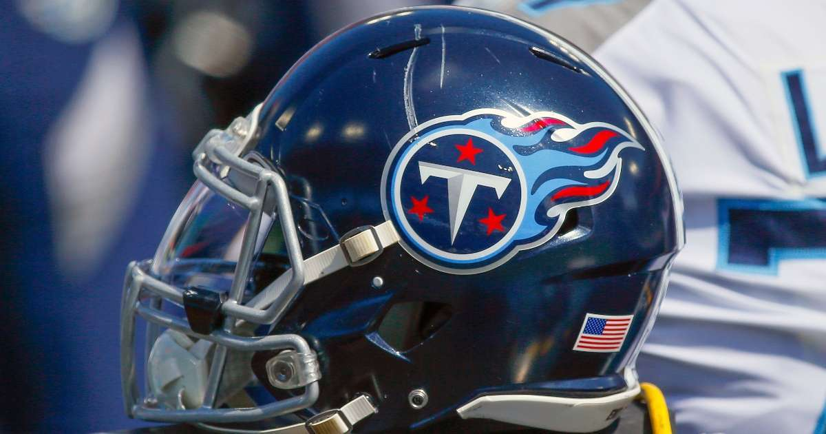 Tennessee Titans Minnesota Vikings close team facilities multiple players test positive COVID-19