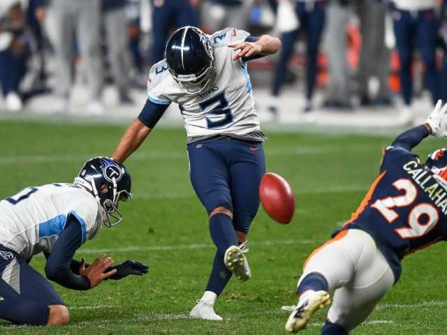 Titans Fans Have Words for Kicker Stephen Gostkowski After Rough Game Against Broncos