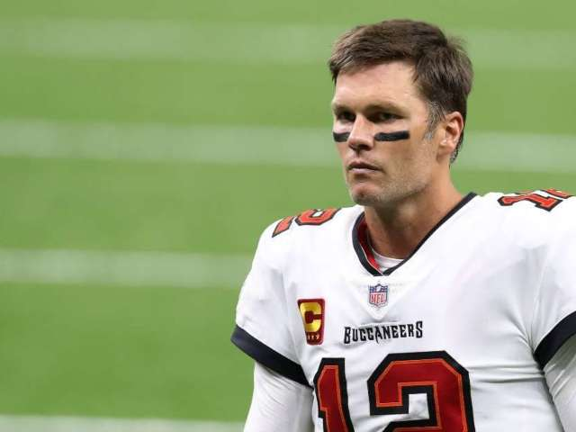 Tom Brady's 'Sad Face' Photo During Buccaneers Loss to Saints Goes Viral