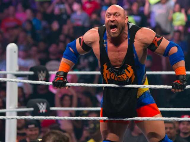 WWE Alum Ryback Goes After Ezekiel Elliott Over 'Feed Me' Trademark