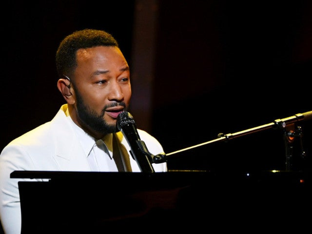 John Legend Dedicates Emotional Performance at Billboard Music Awards to Wife Chrissy Teigen After Pregnancy Loss