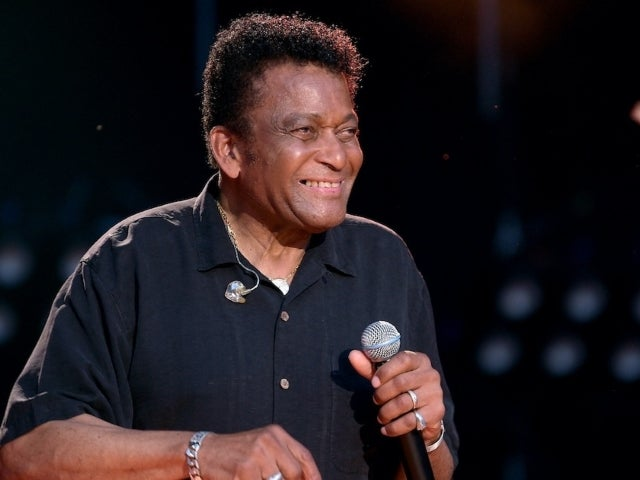 Charley Pride to Receive CMA Lifetime Achievement Award
