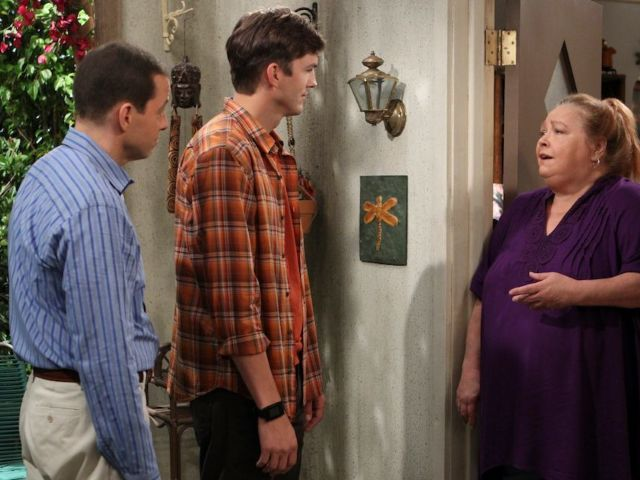 'Two and a Half Men' Fans Mourn Conchata Ferrell After Her Death