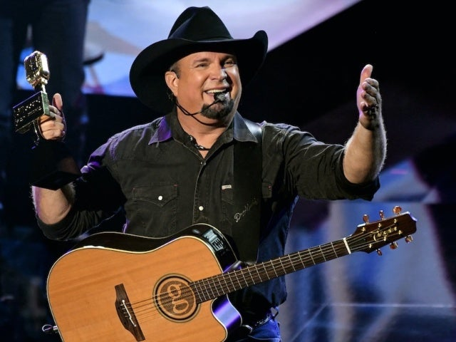 Garth Brooks Thanks 'Love of My Life' Trisha Yearwood at 2020 Billboard Music Awards