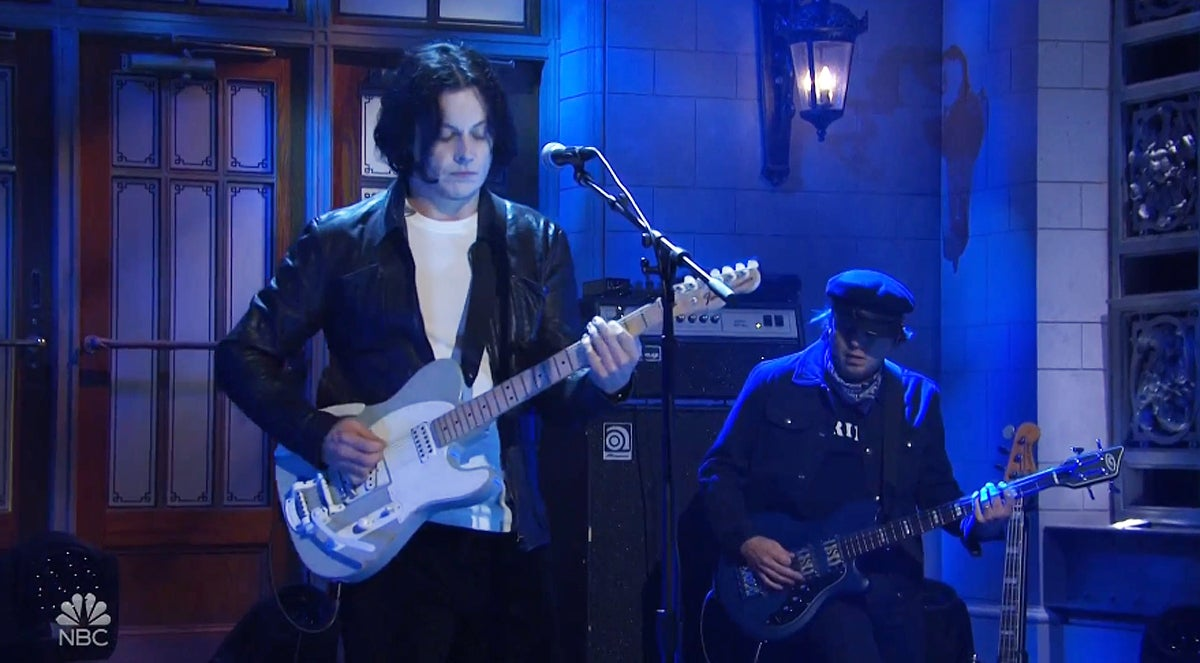 jack-white-snl-ball-and-biscuit