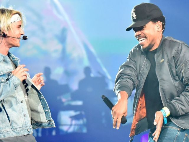 'SNL': Justin Bieber Brought out Surprise Guest Chance the Rapper During 'Holy' Performance
