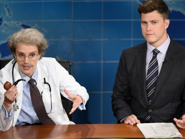 'SNL': Kate McKinnon Breaks Character During Relatable Weekend Update Moment
