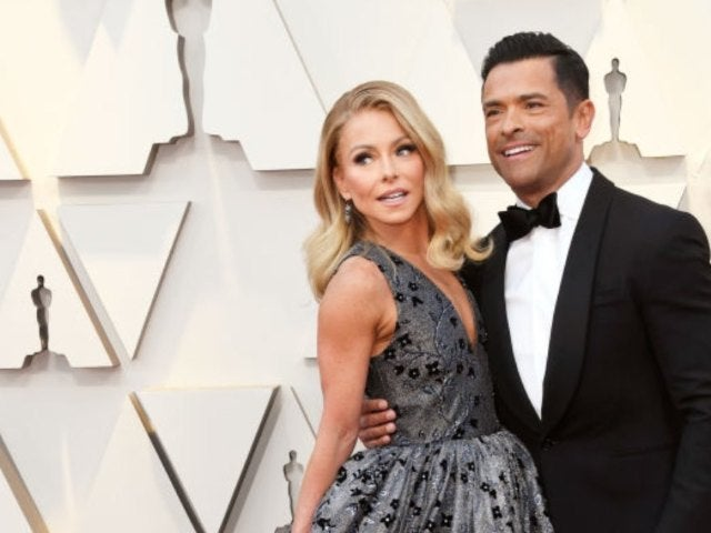 Kelly Ripa Posts Steamy 'Hump Day' Throwback With Husband Mark Consuelos