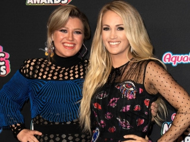 Kelly Clarkson Reveals She Once Signed Autograph as 'Carrie Underwood' After Fan Mixup