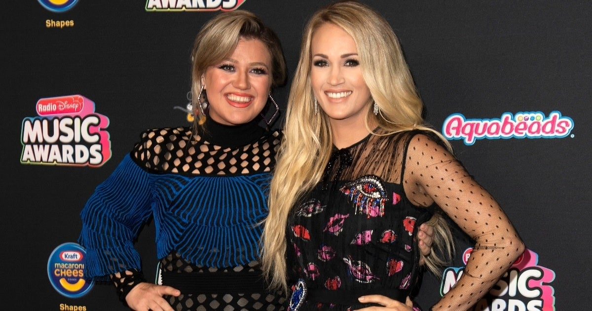 kelly clarkson carrie underwood getty images