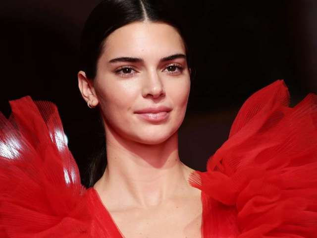 Kendall Jenner Offers Calming Words to People Struggling With Mental Health on Thanksgiving