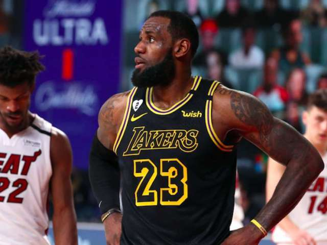 Lakers Lose Game 5 in Kobe Bryant 'Black Mamba' Jerseys, and Twitter Sounds Off
