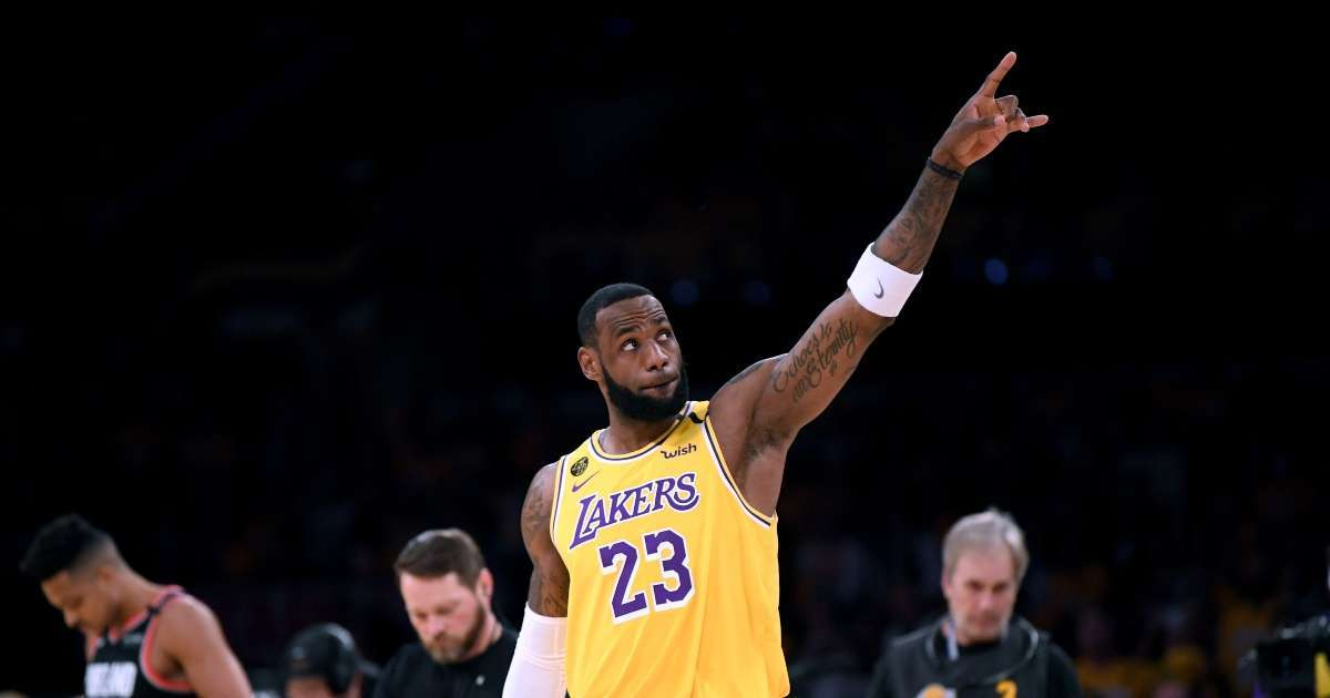LeBron James honors Kobe Bryant leading Lakers NBA Championship