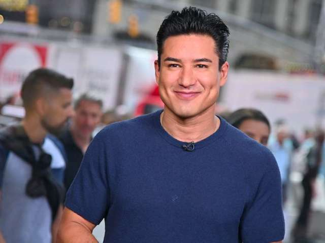 Mario Lopez Woos Fans With Epic Ric Flair Halloween Costume