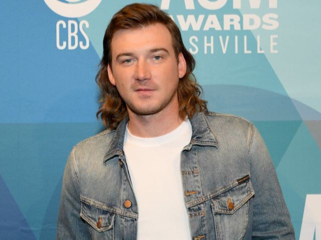 Morgan Wallen Kisses and Parties Maskless With Fans Just Days Before 'SNL' Performance